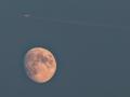 Maan & vliegtuig